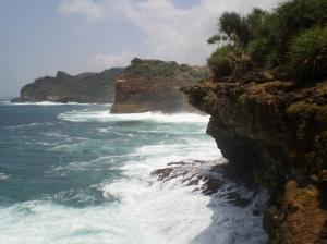 11. tebing pantai timang