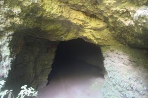 3. pintu masuk goa