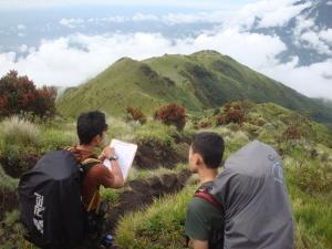 membaca peta kontour sbagai bagian dari pembelajaran pada ekspedisi kali ini